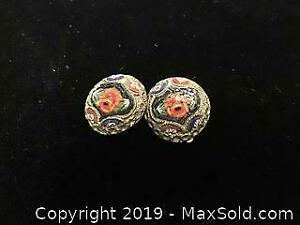 Antique Earrings flowers clip on.