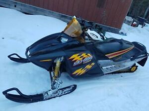 2004 600 chassis with 2007 mxz 800cc rebuilt engine