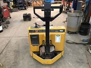 Yale Electric pallet mover. Model MPB040ACN24C2748, 4,000