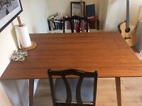 Beautiful wooden dining table - 30£