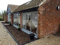 Short Term up to 5 wks self-catering accommodation 2 bed holiday barn Norwich Norfolk inc all bills