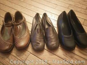 Assortment of shoes size 6