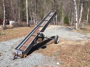 MOTORIZED CONVEYOR FOR HAY BALES OR FIREWOOD