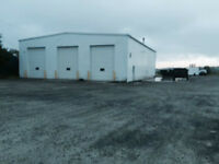 4800sqft warehouse with 5 bay doors