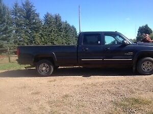 2005 Chevrolet C/K Pickup 2500 loaded Duramax30,000 km