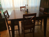 Dining room set, table with four chairs, pub height