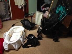 Pram, Car Seat, Moses Basket, baby carrier all for £50 worth £200