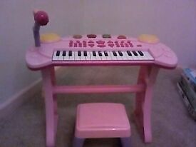 Little Girls Pink Keyboard and Stool - 2/3/4 yr olds £10.00