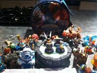 SKYLANDERS FOR WII - TWO GAMES WITH PORTAL AND 29 FIGURES