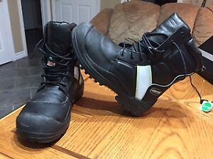 Men's work boots never worn