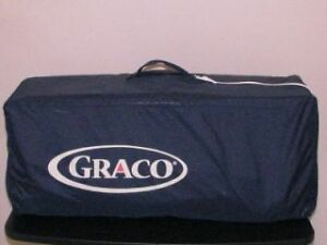 Graco Pack and Play with carrying bag.