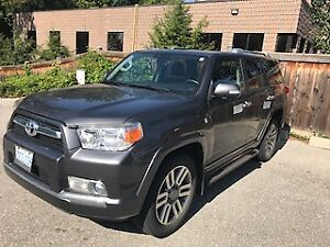 2011 Toyota 4Runner Limited - 7 pax