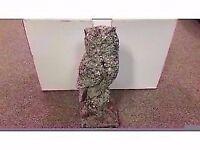 GREAT CONDITION! garden ornament stone owl on small stump design
