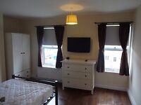 Lovely Double Room, all bills included - Great Location.