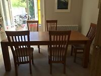 LIGHT OAK DINING TABLE AND 6 CHAIRS. VERY GOOD CONDITION. 190 X 90. SEATS 8.