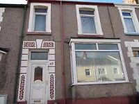 Bills Inclusive Double Rooms in a Professional House Share in Brynmill