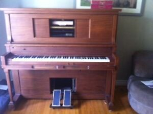 FREE ANTIQUE PLAYER PIANO