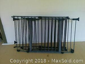 Fireplace fence with gate