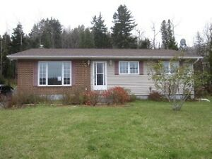 Quispamsis bungalow for rent!