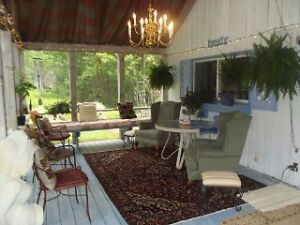15 km S NB large screened porch private relaxing environment