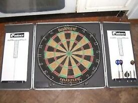 DART BOARD IN A CASE - OPENS WITH A SCORING BOARD - CLACTON - CO15 6AJ Clacton-on-Sea