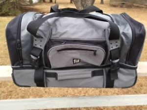 Ful Sports Bag with wheels/retracable handle