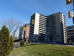 RIVERVIEW CONDO IMMEDIATE POSSESSION  112.900