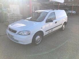 White Vauxhall Astra van Envoy 1.7cdti