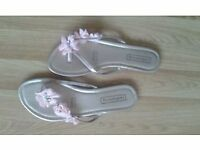 3 PAIRS OF NEARLY NEW LADIES SANDALS-*COLLECTION HOUGH GREEN********
