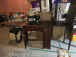 Antique Singer With Sewing Table B