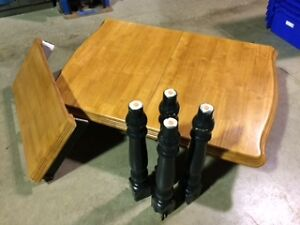 Solid Wood Kitchen table with leaf