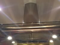 BOSCH EXTRACTOR HOOD/FAN BRUSHED STAINLESS STEEL AND GLASS AND LIGHTS GREAT CONDITION