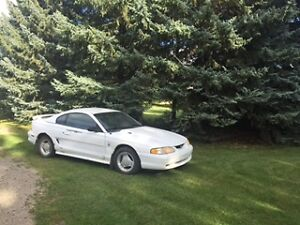 1995 Ford Mustang Coupe Coupe (2 door)