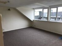 Lovely Loft style two bedroom flat. Walking distance to Plymouth City Centre PL4 8JP