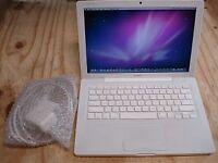 Macbook Apple laptop with 640gb hard drive