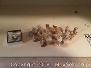 Wade Figurines And Beatles Pin - A