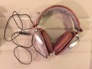 House of Marley headphones (with case)