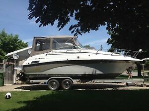27' Crownline boat excellent condition