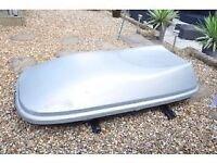 Halfords 580 Litre Roof Box, lockable with keys, roof bars not included, ideal for camping