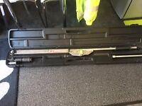 "Norbar 5R Torque Wrench, 3/4"" Ratchet, Adjustable, 300-1000 N.M/200-750 LBF.FT;"