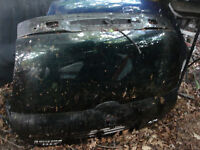 CLIO SPORT REAR TAILGATE IN BLACK