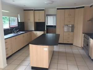 KITCHEN LARGE ONLY 3 MTHS OLD Sunnybank Brisbane South West Preview
