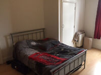 Double Bedsite to let, Fermepark Rd N4. fully furnished, all bills inclusive, except electric. 161pw