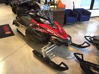 Motoneige Yamaha Apex 2011 comme