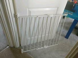 Lindam child gate