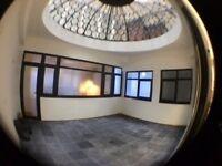 luxury newly developed 2 bed city centre apt, high spec, contemporary finish, unique atrium area