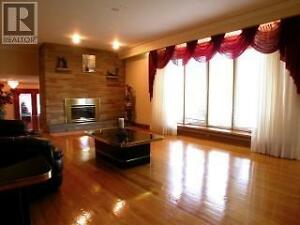 Rooms in a beautiful house are available 明亮房间出租 Windsor Region Ontario image 3