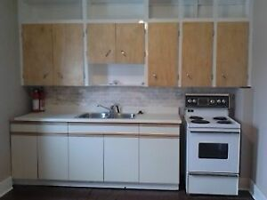 5 bdrm DOWNTOWN apt! - May 1, 2017 $2100+ Kingston Kingston Area image 2