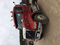 2004 volvo with custom tri axle box