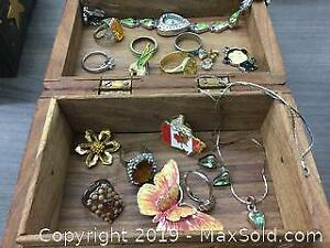 Lot Of 17 Piece Of Jewelry Rings Watch And Box
